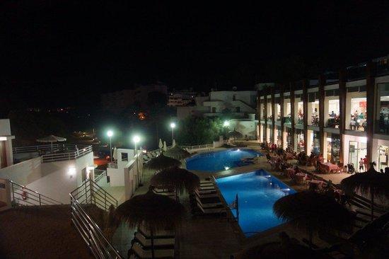 Aparthotel Ferrera Blanca: Swimming pool (apartments area)