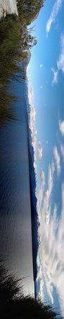 Alma del Lago Suites & Spa: vista del ventanal de la pileta del hotel