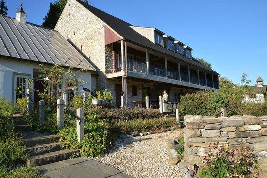 Pheasant Run Farm: Exterior