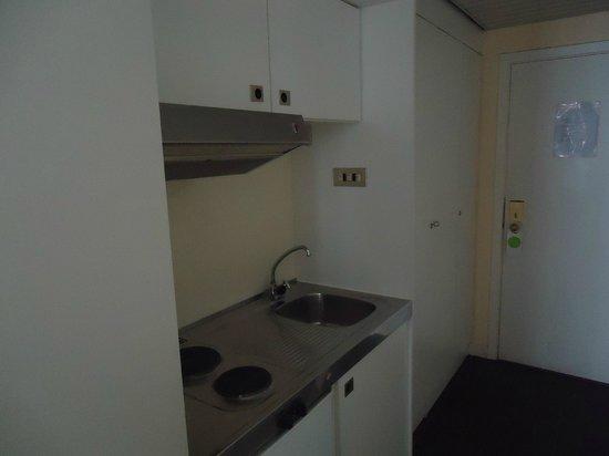 First Euroflat Hotel : cozinha