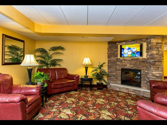 Econo Lodge - Mayo Clinic Area: Lobby