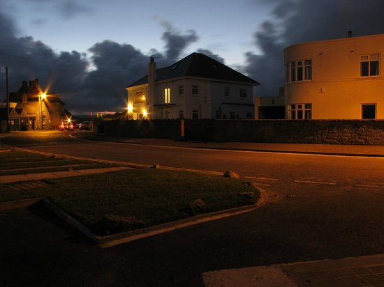 Beadnell Beach Guesthouse: View from the street