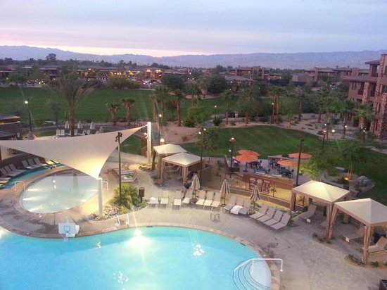 The Westin Desert Willow Villas: Palo Verde Park & Pool view from Building 18, 4th Floor