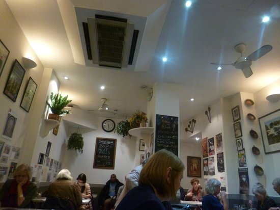 Gaby's Deli : restaurant decor