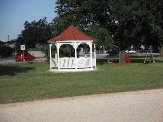 Dietzel Motel: The Gazebo