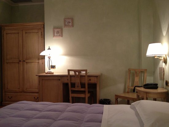 La camera da letto foto di hotel antica hostelleria - La camera da letto ...