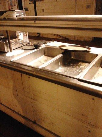 Baymont Inn & Suites Fargo: Kitchen that was not in use