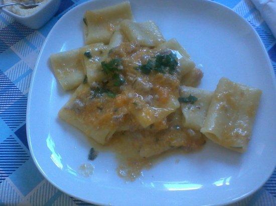 Ristorante Antonietta: paccheri zucca e salsiccia