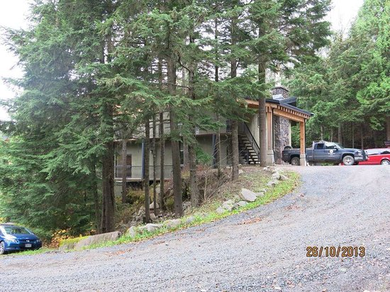The lodge at skeena landing. Top car park. Ample parking but steep hill might be an issue in sno