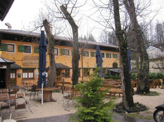 Olivenbauer: Exterior.