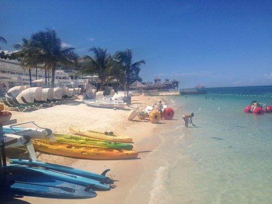 Beaches Ocho Rios Resort & Golf Club: Beautiful beach