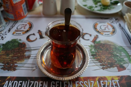 Cigerci Aydin: Meals come with Turkish tea included