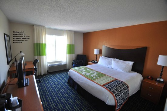 Fairfield Inn & Suites Ocala: My Room #315