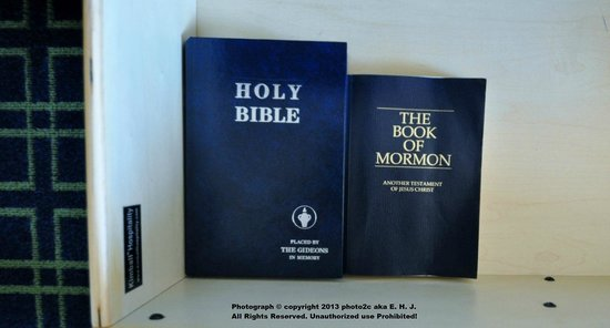 Fairfield Inn & Suites Ocala: Holy Bible & The Book of Mormon