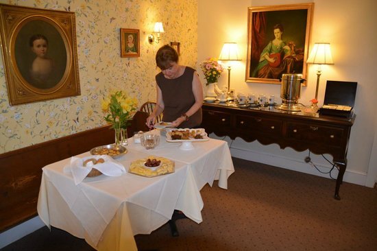 Fairville Inn Bed and Breakfast : Afternoon tea