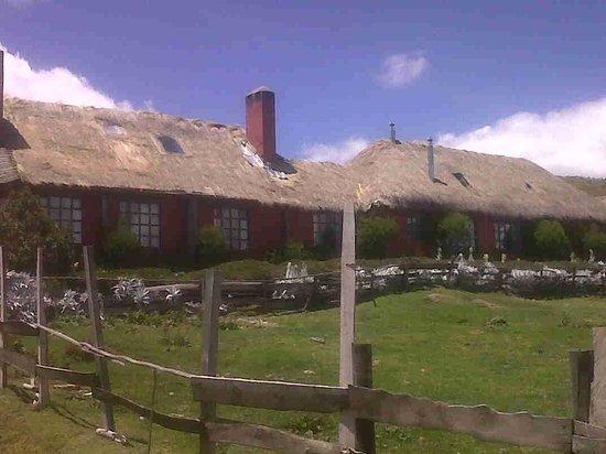 Hacienda El Porvenir / Tierra del Volcan: Fachada de la hacienda