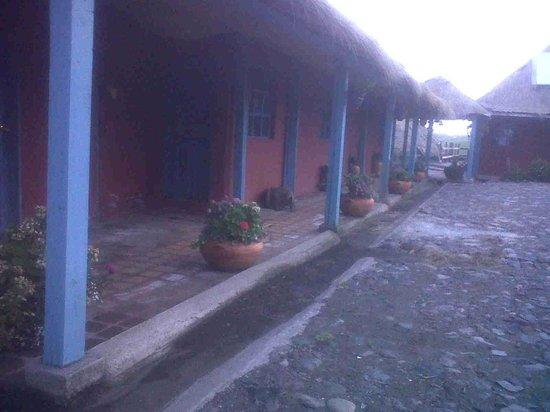 Hacienda El Porvenir / Tierra del Volcan: Habitaciones exteriores