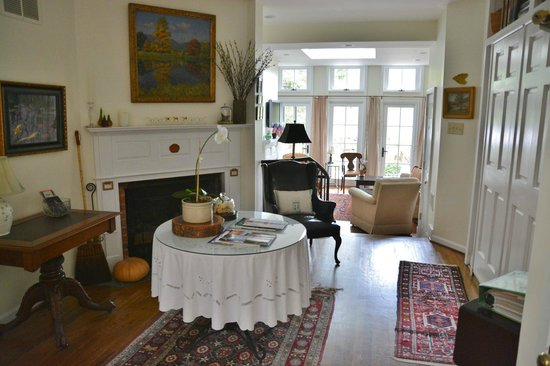 216 Bed and Breakfast: Near kitchen
