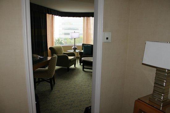 Renaissance Long Beach Hotel : Entrance to #620