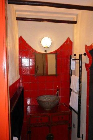 Hotel l'Astrolabe: Habitación China, Detalle Baño