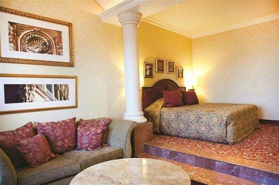 Michelangelo Hotel : TN1