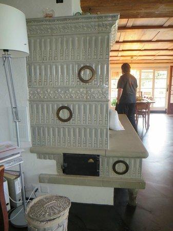 Silvi's Dream Catcher Inn : woodburning fireplace in porcelan