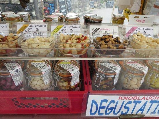 Silvi's Dream Catcher Inn: market place in Grindelwald
