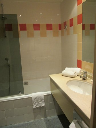 Mercure Nice Centre Notre Dame : Bathroom