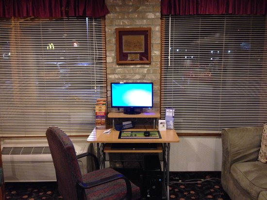 Rodeway Inn Wooster: Business center