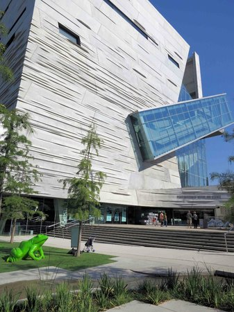 Perot Museum of Nature and Science: Perot Museum - Exterior
