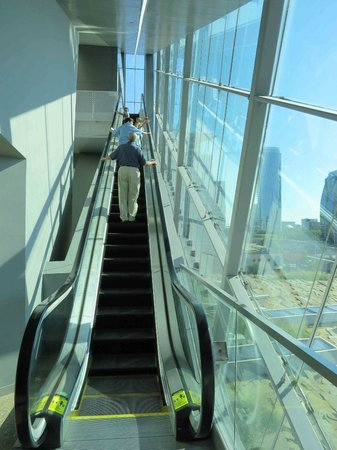 Perot Museum of Nature and Science: Ride up escalator