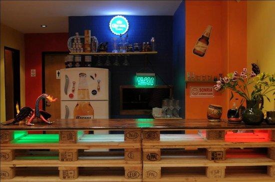Che Taco Bar y Antojitos Mexicanos: La barra artesanal...