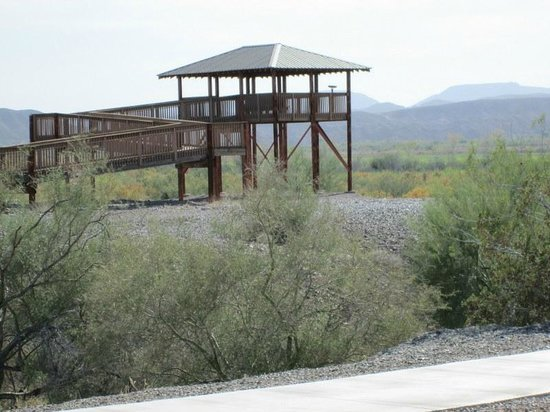 Imperial National Wildlife Refuge: Wheelchair accessible viewing platform