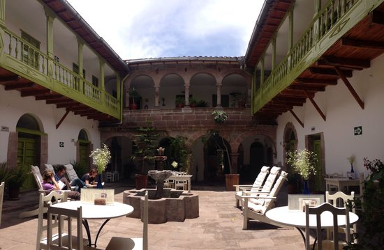 courtyard of the Meloc location - Picture of Ninos Hotel, Cusco ...