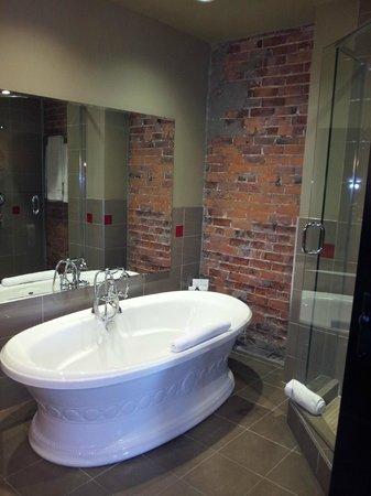 Hôtel Place d'Armes : Bath