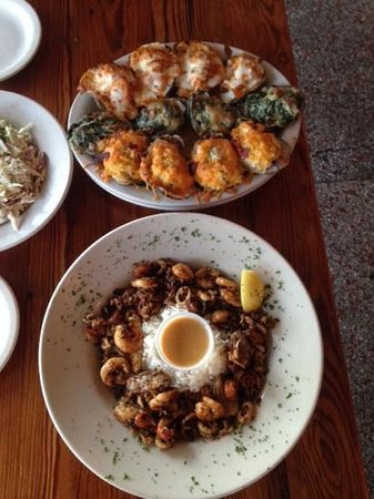 Black Pearl Oyster Bar and Grille: oysters 3ways, pirates bounty & slaw