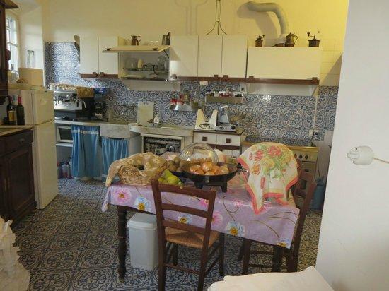 L'Antico Borgo: kitchen