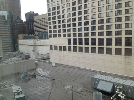 Homewood Suites by Hilton Chicago-Downtown: Go higher and ask for a better view this was a corner room lower floor