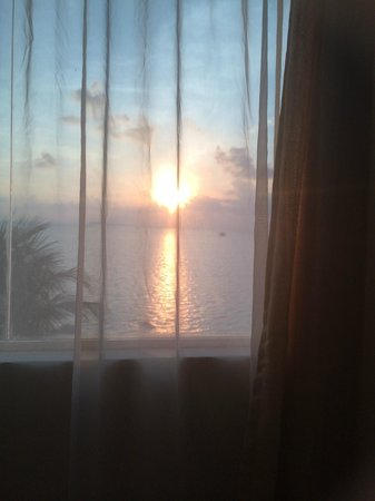 Bintan Agro Beach Resort: room view sunset