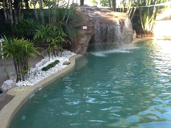 Grange Resort Hervey Bay: Waterfall Feature