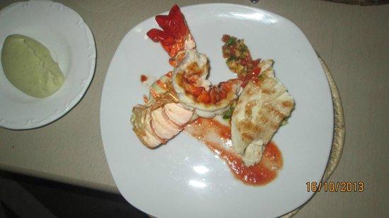 Bellavista Cafe & Restaurant : Twin taste (Tale lobster & Grilled mahimahi)