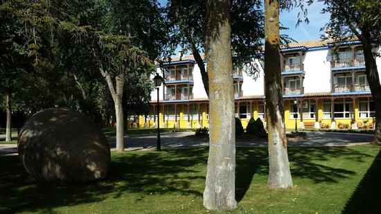 Parador de Manzanares: Jardin