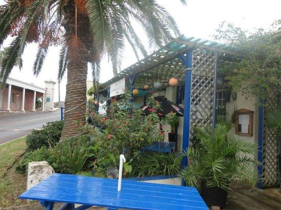 Freeport Seafood Restaurant : Outside seating