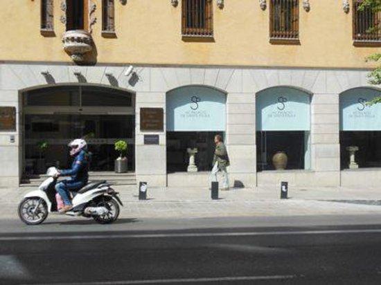 AC Palacio De Santa Paula, Autograph Collection: 外観