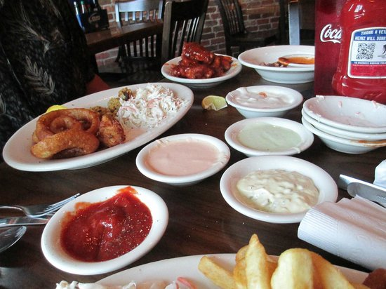 Salty Sue's : the sauces our server brought my husband to try