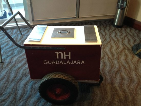 NH Collection Guadalajara Providencia: popsicle cart