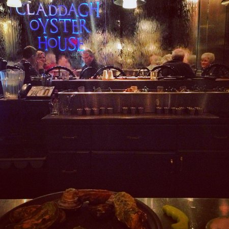 Claddagh Oyster House: Great ambience