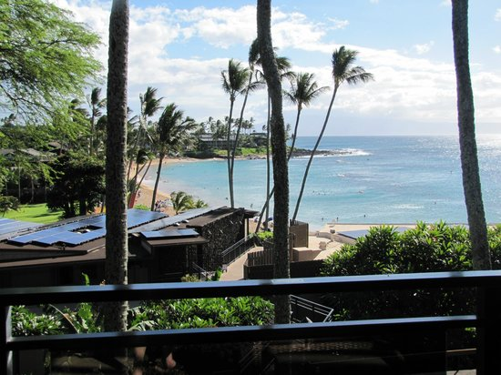 Napili Kai Beach Resort: Amazing View from our Lania of the beach area