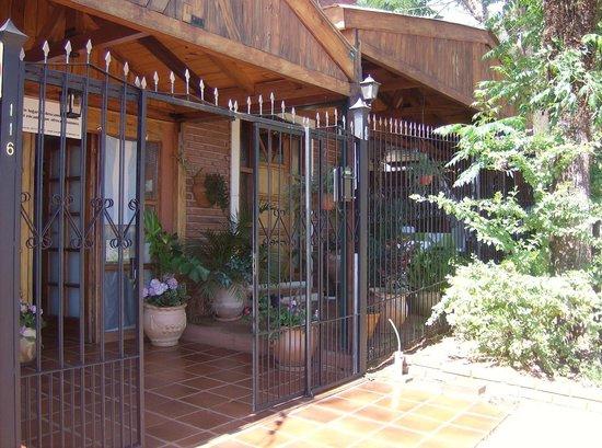 Guayra Guest House: Perfil de la entrada al Guest House