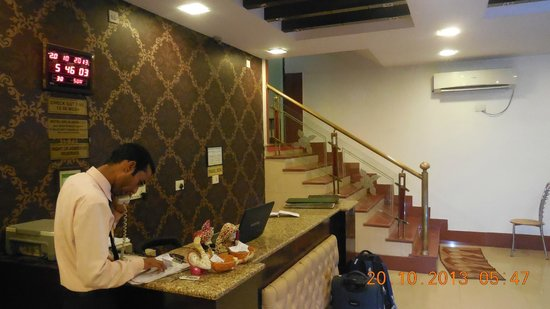 Hotel Delhi Aerocity : View hotel reception from stair side.